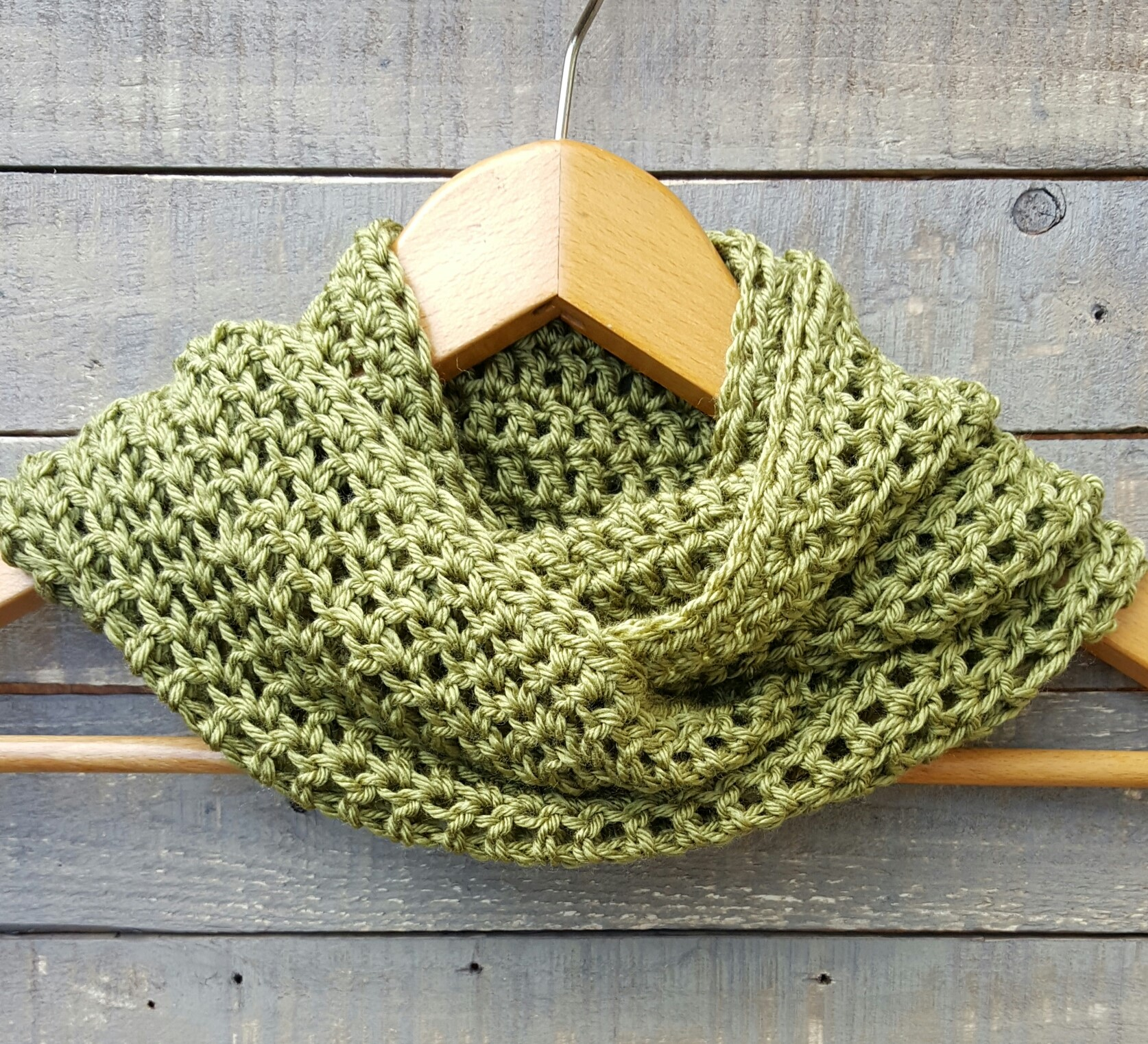 crocheted cowl/ scarf moss green