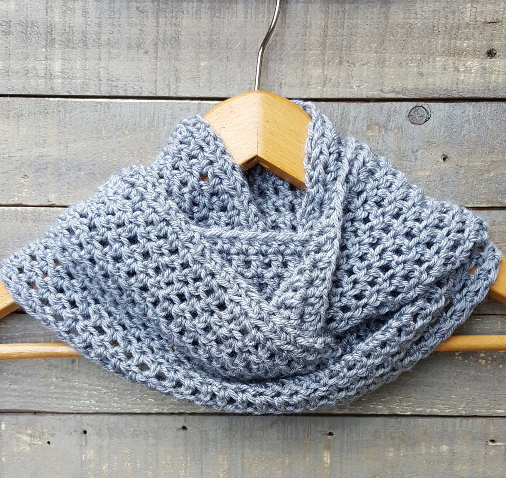 crocheted cowl/ scarf fog grey