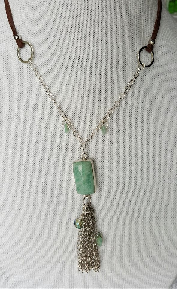 full view - aquamarine gemstone pendant
