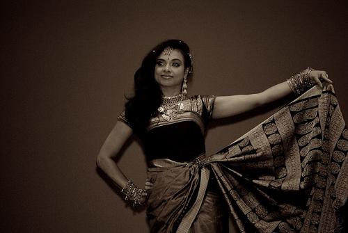 sari dancing photo