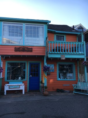 BEARSKIN NECK SHOPS 5