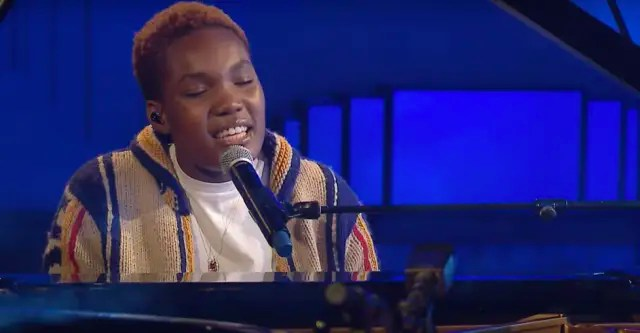 """Watch Arlo Parks cover Frank Ocean's """"Ivy"""" 1"""