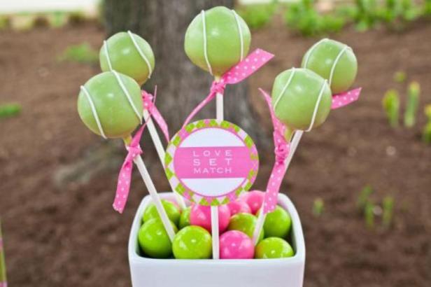 cake-pops-via-karas-party-ideas