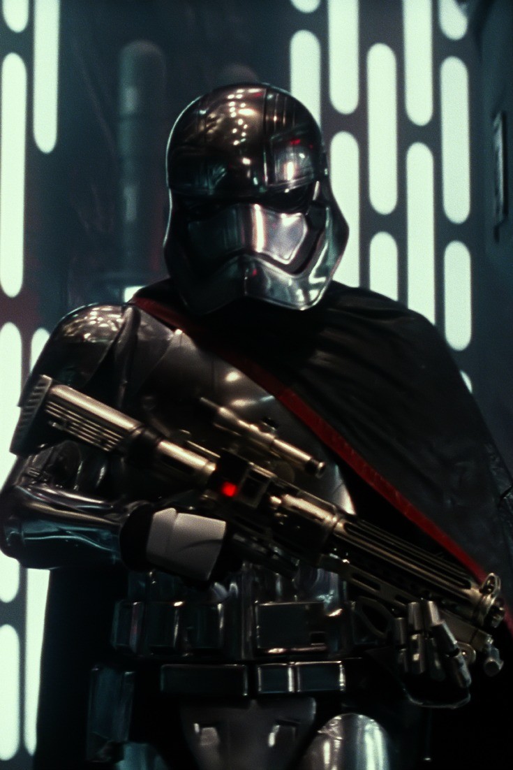 Star Wars the Force Awakens still of Darth Vader Ph: Film Frame ©Lucasfilm 2015