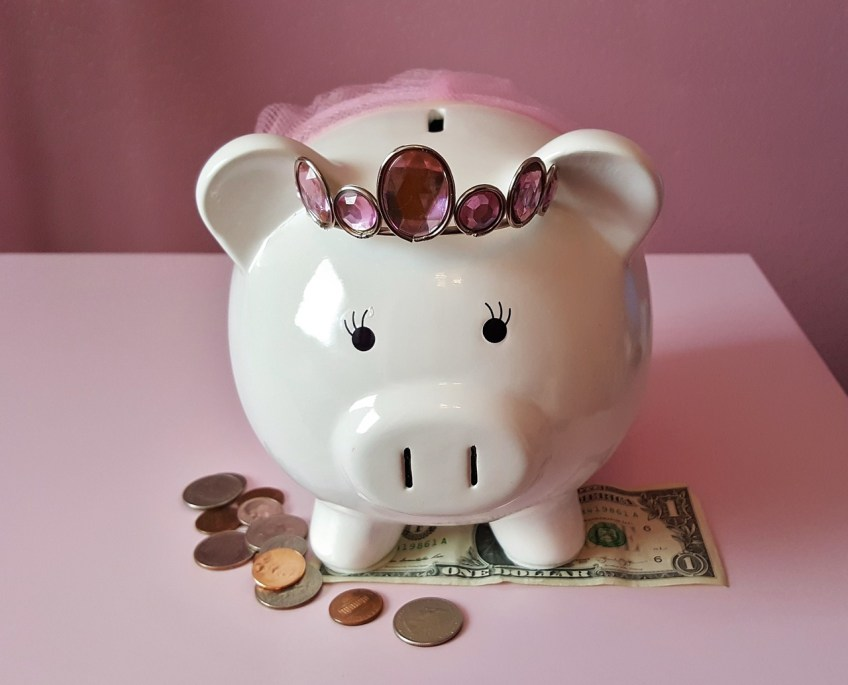 save money for travel, stretch your money, piggy bank