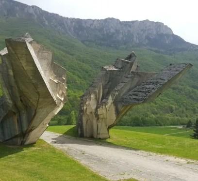 Tjentiste, Spomeniks of Yugoslavia