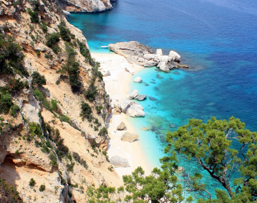 sardinia yacht charter, sailboat charter in Greece
