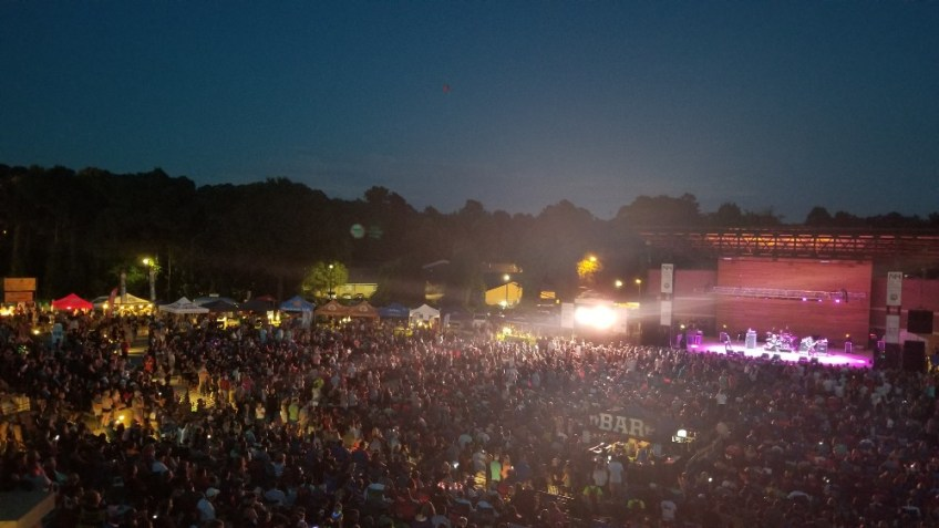 Things to do in Cherokee County, GA, Woodstock, Woodstock concert series