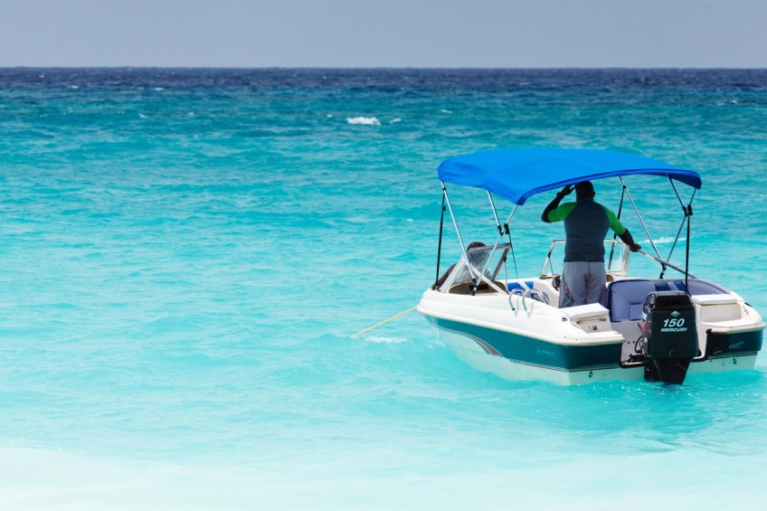 boating tips, boat in blue water
