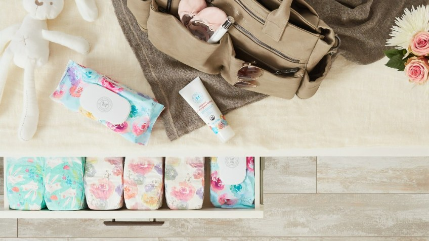 traveling with a baby, baby wipes