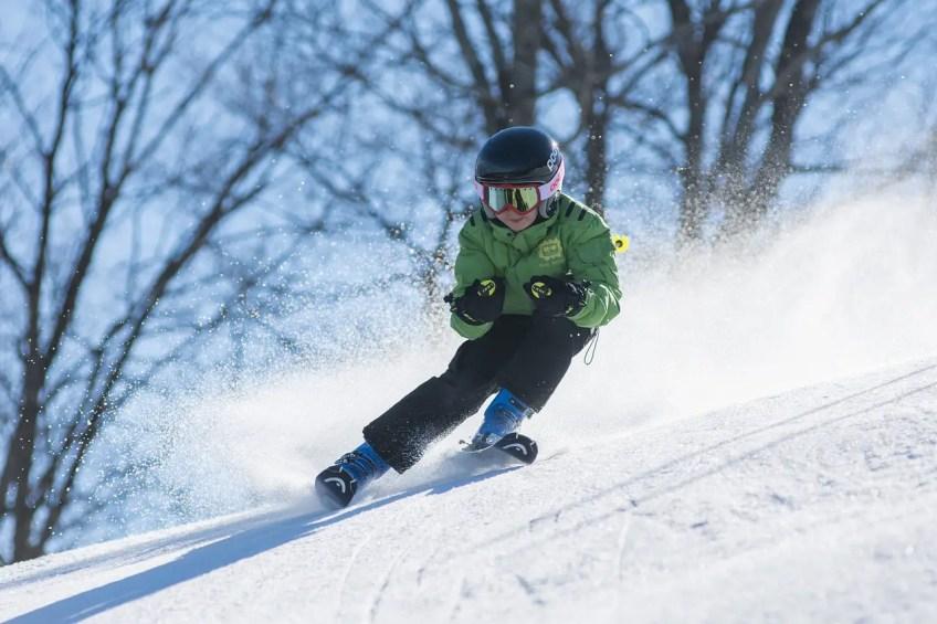 Montreal winter activities, ski, skiing