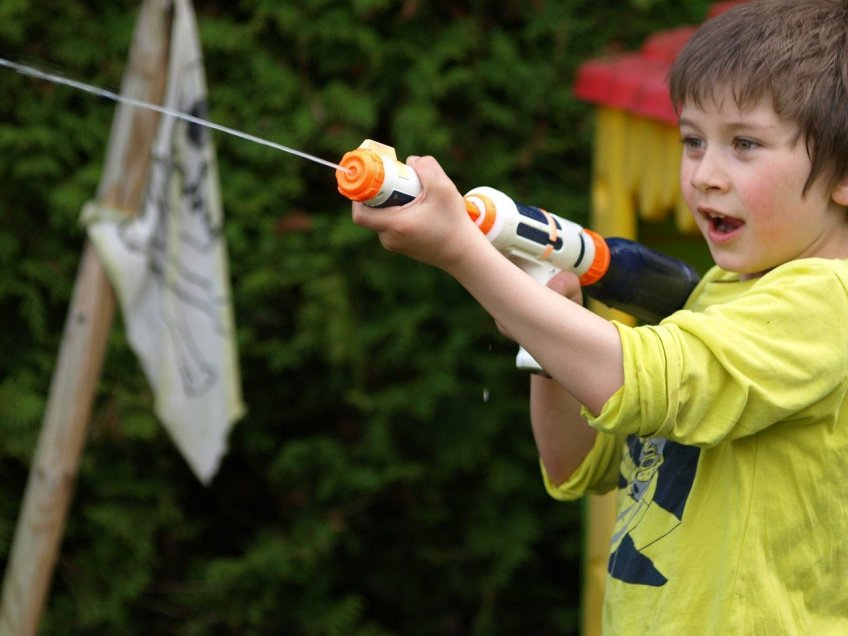water gun, outdoors, kids