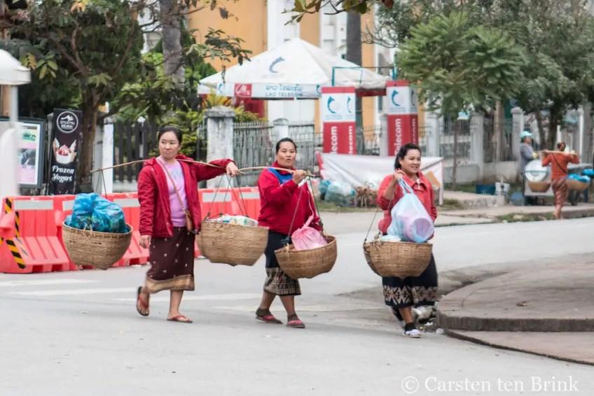 staying safe in Laos, Laotian women