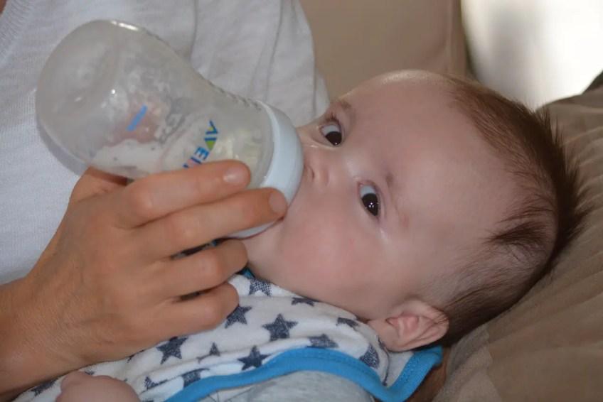 traveling with babies, bottle, formula