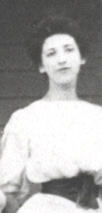 Grace as a young lady about 1908.