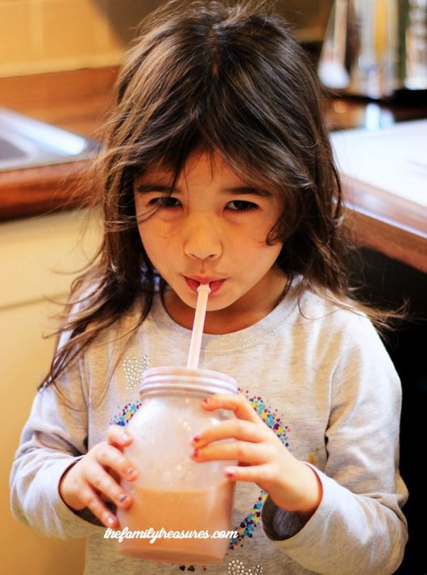 frullato-di-frutta-drinking