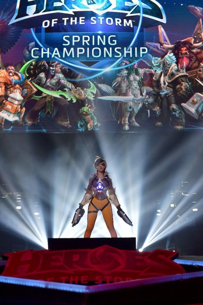 tasha cosplay tracer overwatch (6)