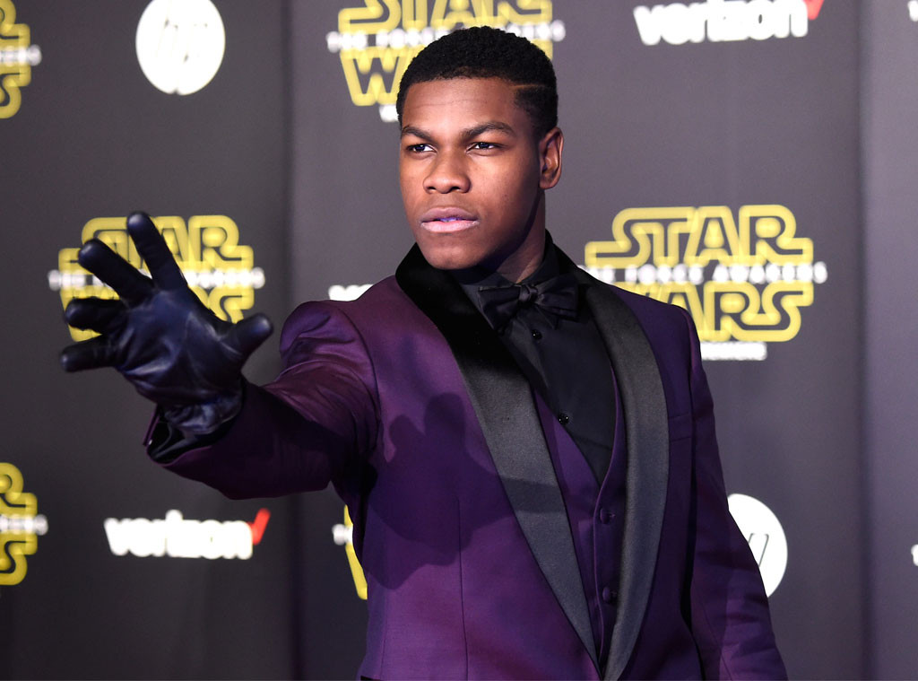 rs_1024x759-151215063100-1024.John-Boyega-Glove-Star-Wars-Premiere-LA-JR-121515
