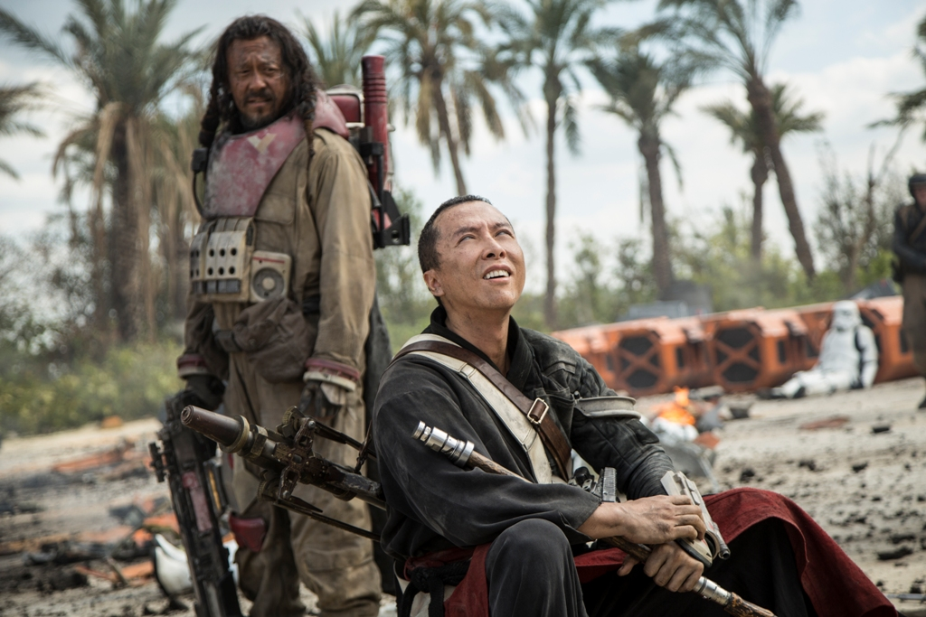 Rogue One: A Star Wars Story L to R: Baze Malbus (Jiang Wen) and Chirrut Imwe (Donnie Yen) Ph: Jonathan Olley ©Lucasfilm LFL 2016.