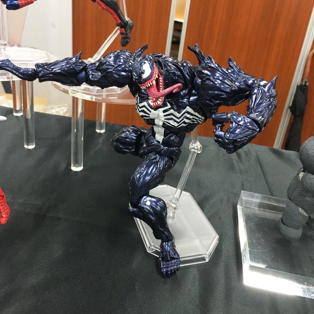 revoltech-venom-003