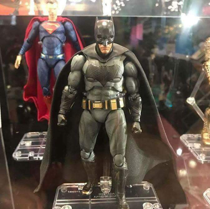 sh figuarts batman justice league