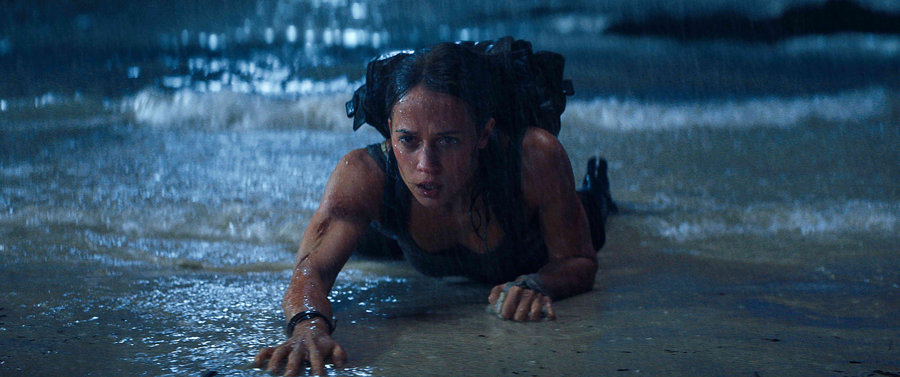 c95fe0ade Alicia Vikander Embodies Lara Croft in