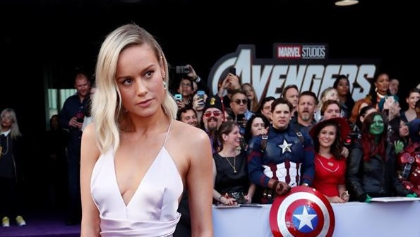 "Brie Larson Attends Avengers: Endgame Red Carpet Premiere with the ""Infinity Gauntlet"""