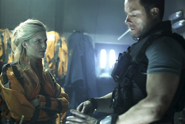 Guy Pearce,Maggie Grace