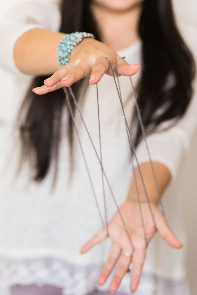 What navajo string games taught me fancy navajo reflections growing up i remember playing navajo string games it was a fun activity we would do at school everyone would gather around at recess and we would watch solutioingenieria Image collections