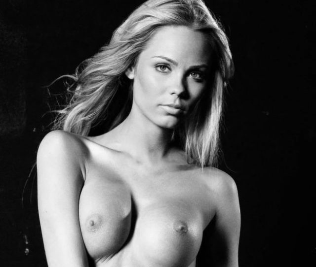 Laura Vandervoort Nude And Sexy  Photos The Fappening