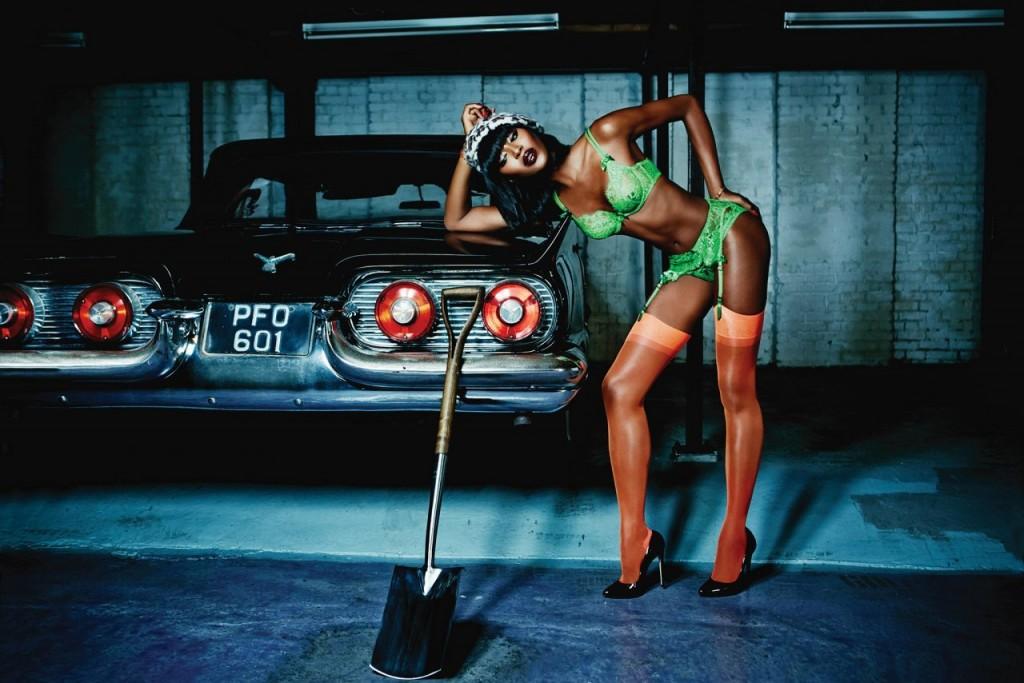 Naomi Campbell Naked 02