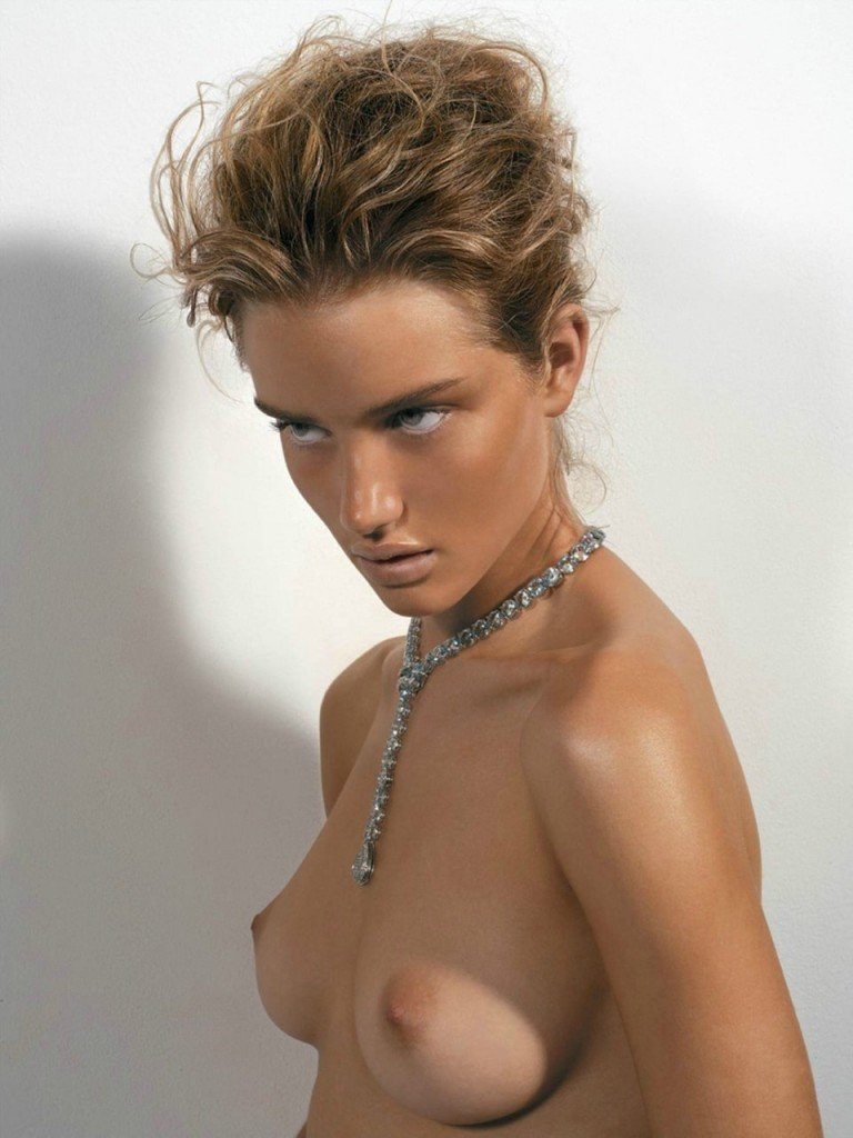 Rosie Huntington-Whiteley Naked 001
