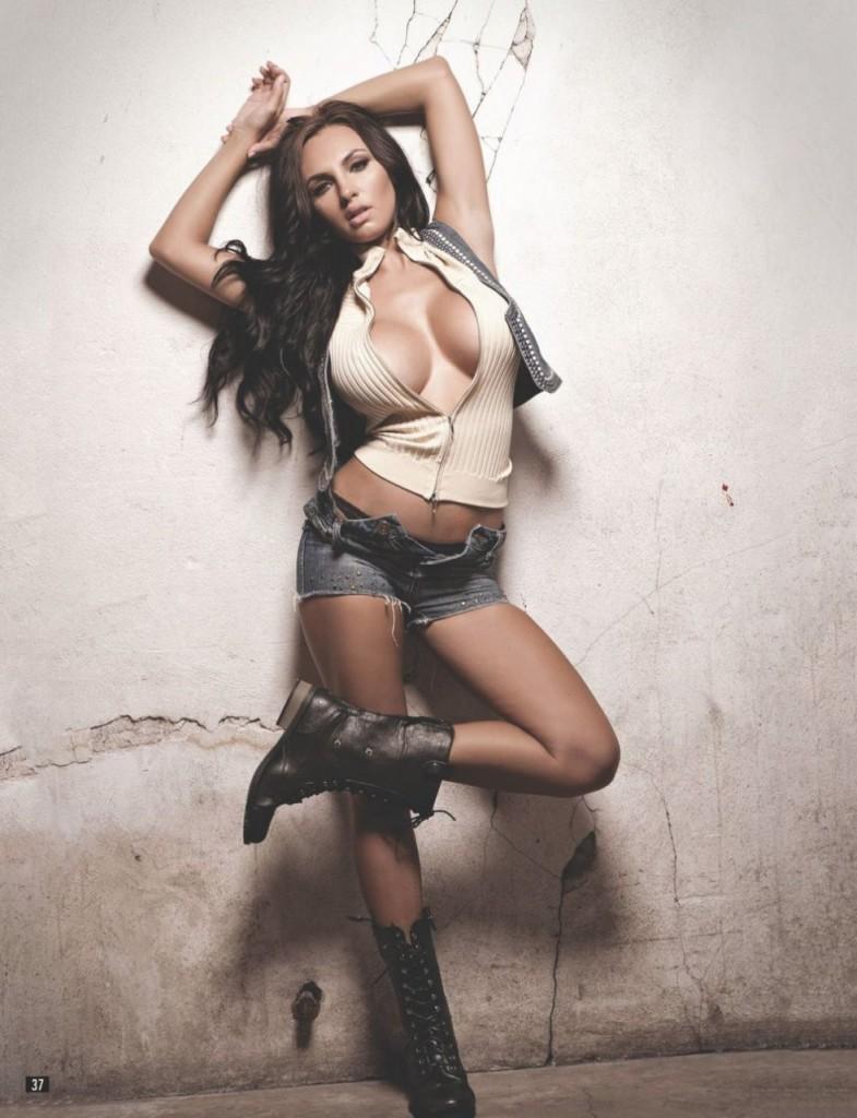 Iryna Ivanova Topless 03