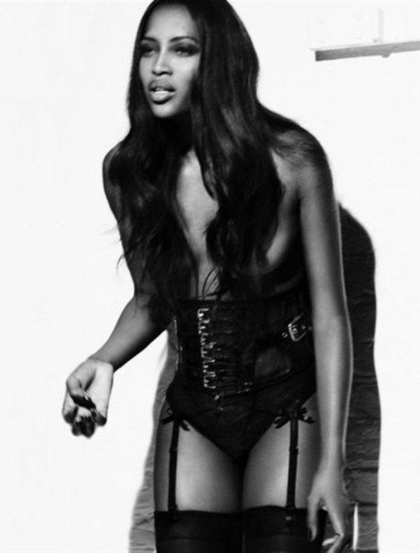 Naomi Campbell Naked 07