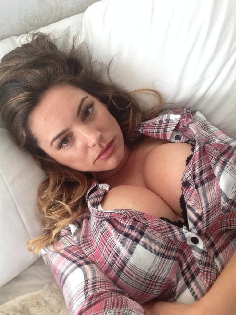 Kelly Brook Naked Leaked 11