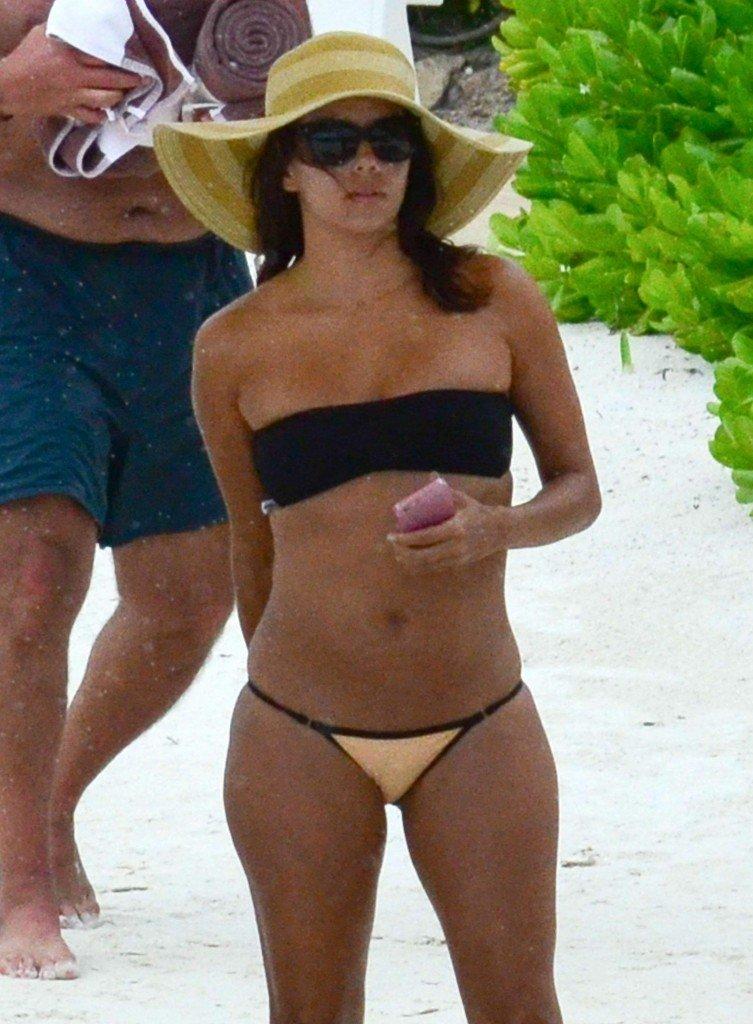 Eva-Longoria-Bikini-20