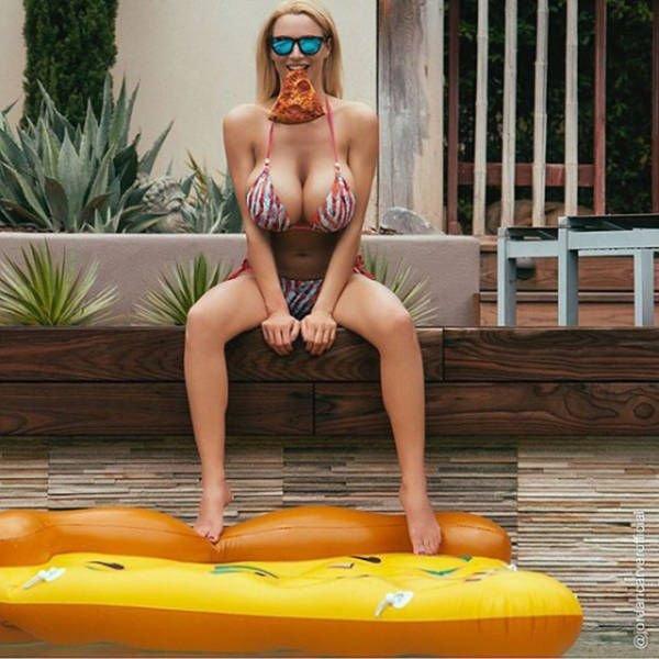 Jordan-Carver-Topless-Sexy-14
