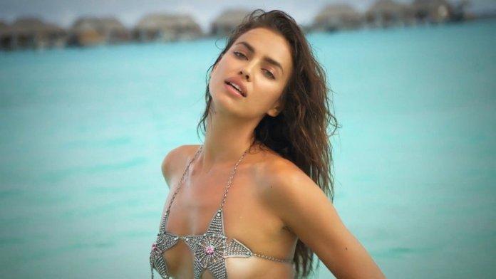 Irina-Shayk-Sexy-Topless-Intimates-10