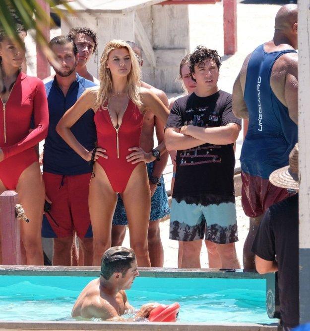 Kelly Rohrbach, Alexandra Daddario, Ilfenesh Hadera Sexy 7