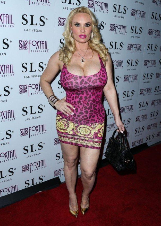 Nicole Coco Austin Cleavage 35