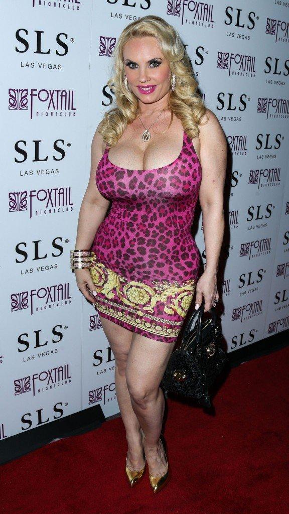Nicole Coco Austin Cleavage 43