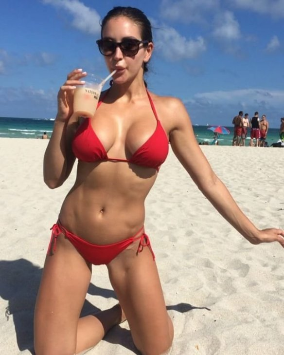 Jaclyn Swedberg Sexy Instagram 2