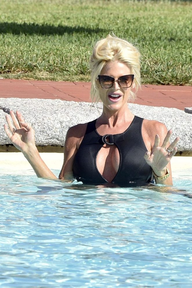 Victoria Silvstedt Sexy 4