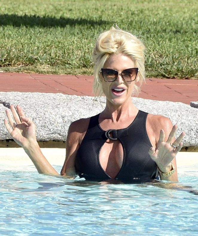 Victoria Silvstedt Sexy 3