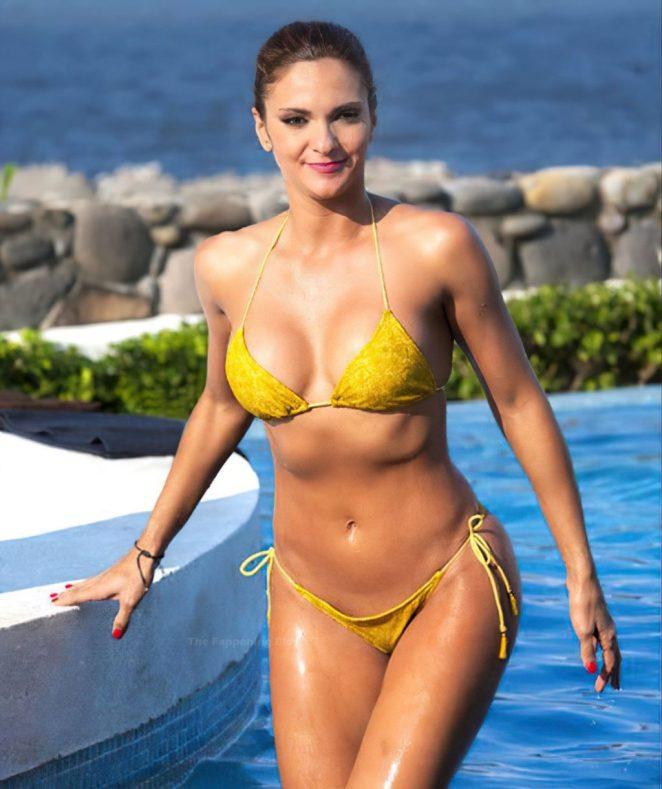 Mariana Seoane Naked 4