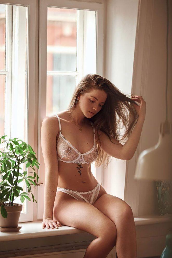 Simone Bylund See-Through 3