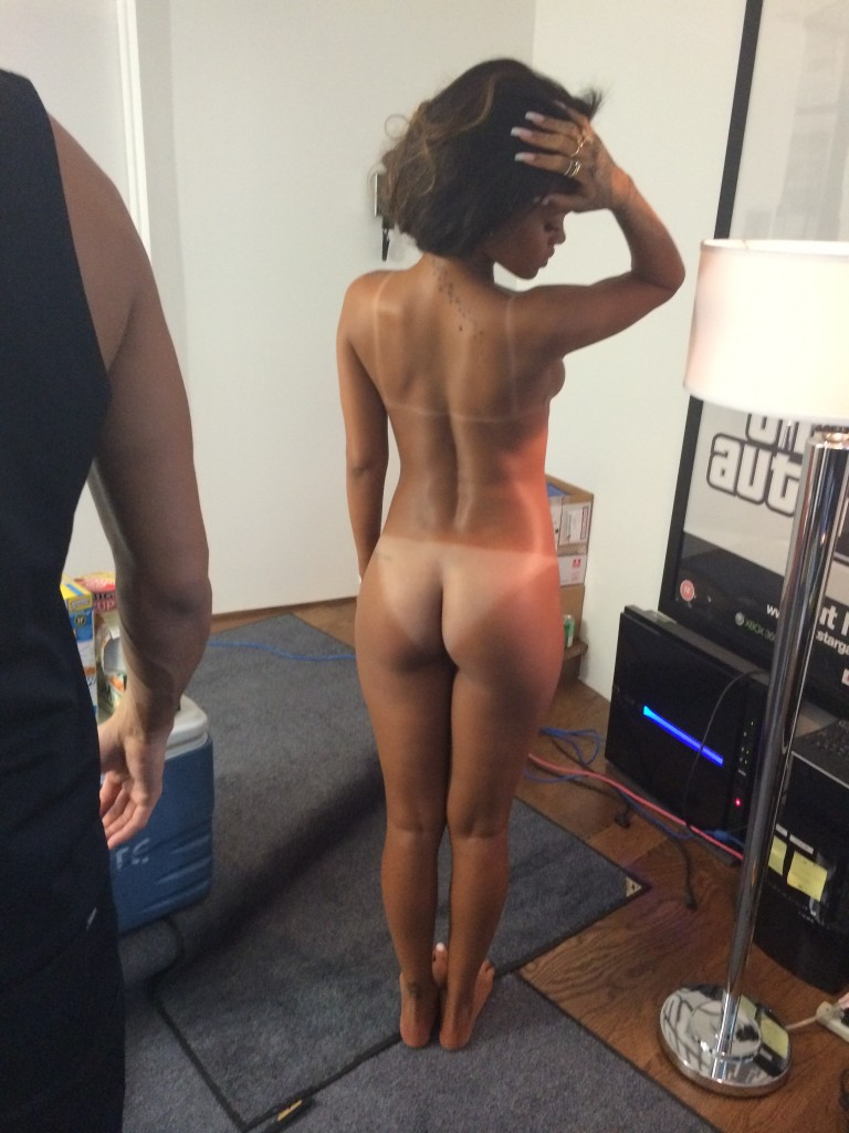 Rihanna Naked (23 Photos)