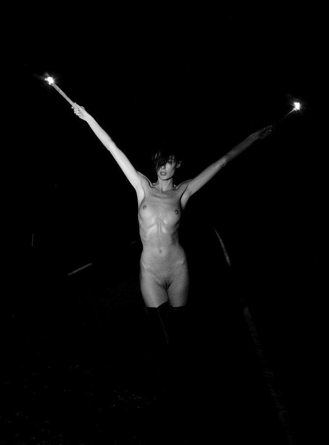 Nicole Trunfio Naked (17 Photos)