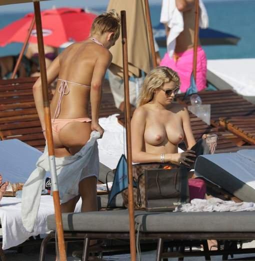Shayna Terese Taylor Topless (10 Photos)