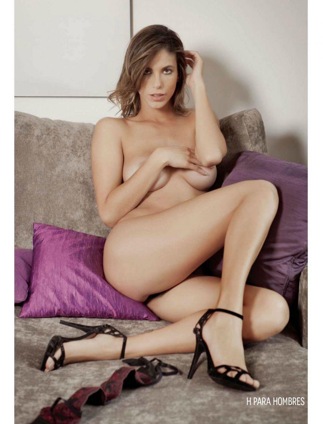 Bruna Goncalves Topless (2 Photos)